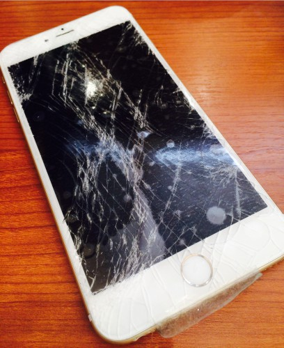 ディスプレイが割れたiPhone6Plus