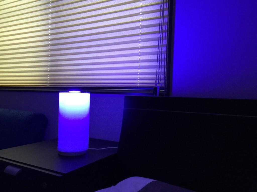 「HomeKit」対応のスマートLED照明「Philips Hue」の最新モデルが発売されたので購入して使ってみたら、思ってる以上に活躍してくれそうだったので紹介する