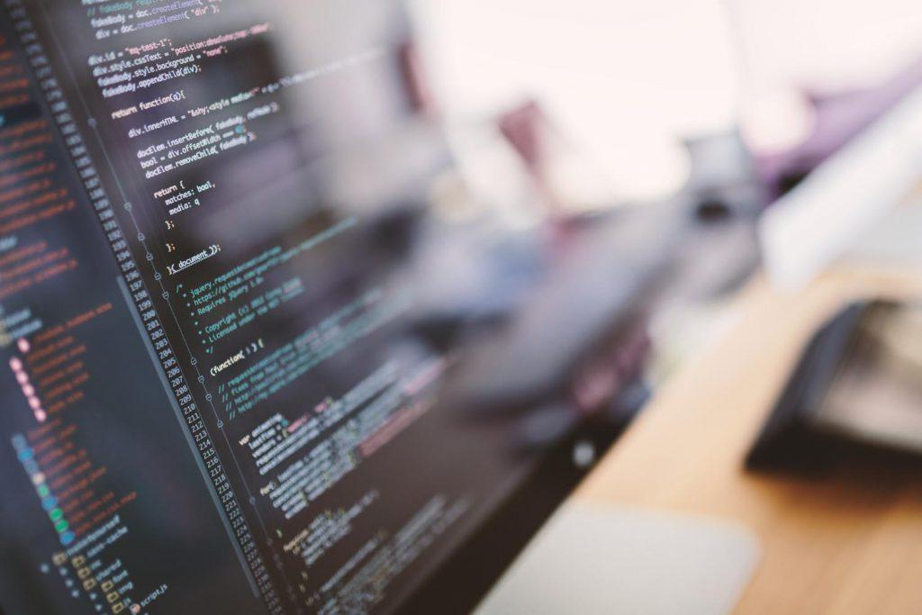 現役エンジニアによるオンラインプログラミングスクール「CodeCamp」を受講し始めてから1年経った結果