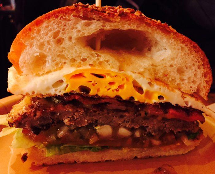 ハンバーガーの断面図