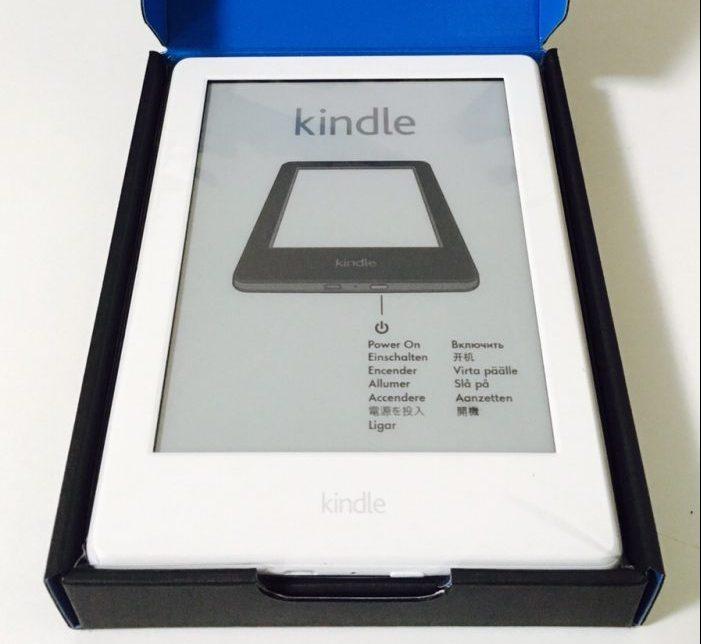 知識のインプットにはKindleが最適。ハイライト機能を使えば、レビューをサクッと書けるのでアウトプットもセットで行うことができ、知識が身につきやすい