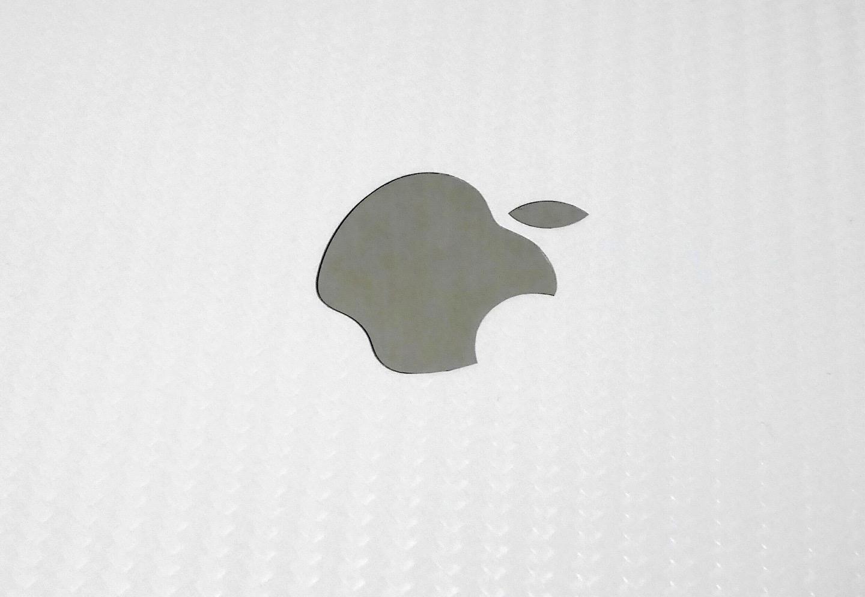 Appleのロゴにもピッタリフィットしてくれました。