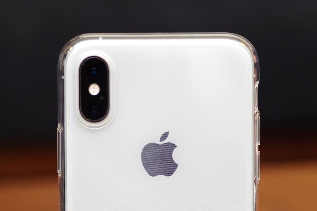 【レビュー】TORRAS iPhone XSケース(クリスタル・クリア) は、フィット感が良く適度な光沢感がカッコイイ
