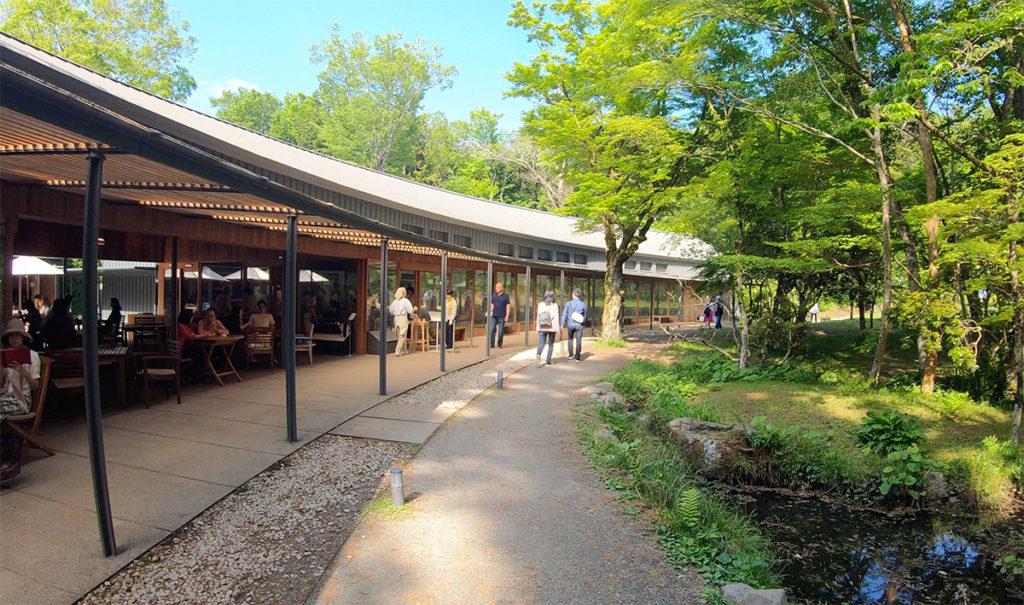 自然豊かな空間で手作り和菓子とお茶が楽しめるお店「とらや工房」でゆったり大人の時間を過ごしてきた|静岡県御殿場市