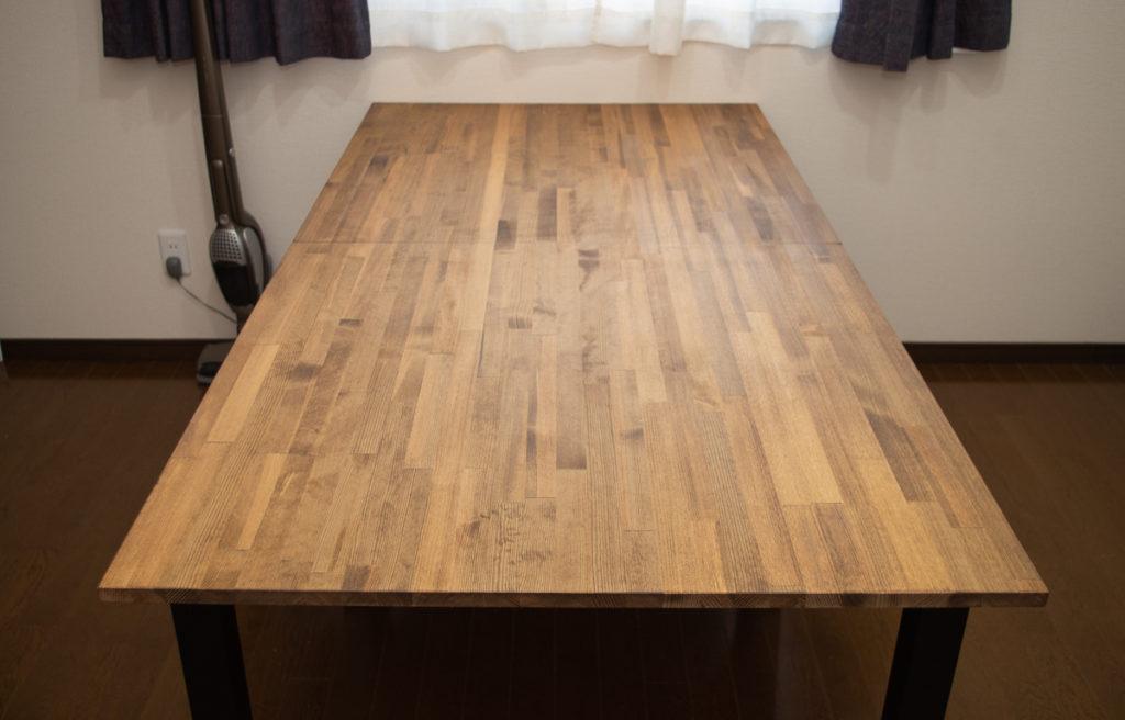 【事務所の空き部屋改装 #2】ホームセンターで売ってる4,980円のパイン集成材でシンプルなパソコンテーブルを制作する