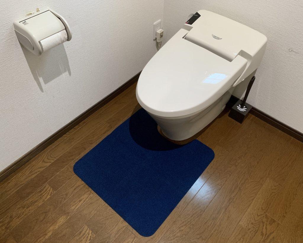 Nico(ニコ)トイレマットを購入。毛足が短く消臭・撥水加工がされておりお手入れしやすい便利アイテム。
